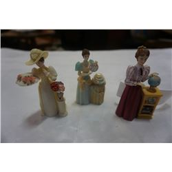 3 MRS ALBEE MINI FIGURINES