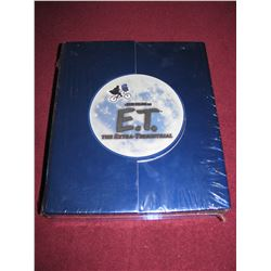 E.T. THE EXTRA TERRESTRIAL ULTIMATE GIFT BOXED ST