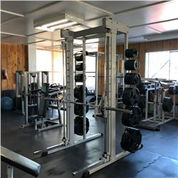 SMITH BENCH PRESS/SQUAT MACHINE, COMES WITH PLATES