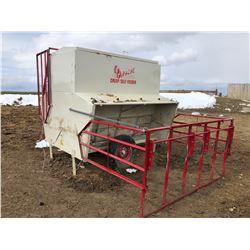 Apache calf feeder, 3.5-ton cap.
