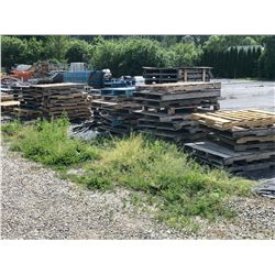 LARGE LOT INC. ALL LOOSE PALLETS, CRATES ETC. IN YARD