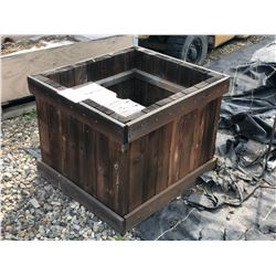 STAINED WOOD DECORATIVE PLANTER