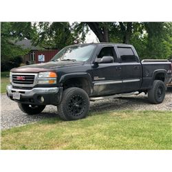 2004 GMC SIERRA 2500HD SLT, CREW CAB, LEATHER, BOSE SOUND SYSTEM, 4X4, FIFTH WHEEL, BED COVER,