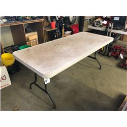 6' AND 4' LIFETIME FOLDING TABLES