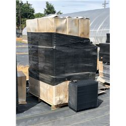 PALLET OF BLACK PLASTIC PLANT TRAYS