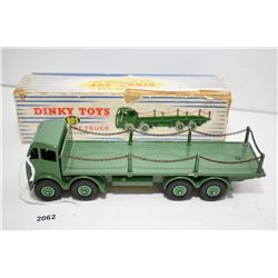 """Dinky toy """"Foden Flat truck"""" No. 905 with chains in near mint condition with original box"""