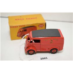 """Dinky toy """"Royal Mail Van"""" No. 260 in mint condition with original box missing one flap"""