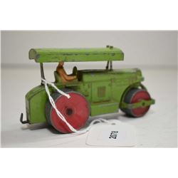 """Dinky toys """"Aveling-Barford"""" steam roller in fair condition"""
