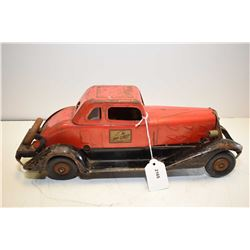 Vintage pressed steel battery operated Fire Chief limousine made by Hoge Manufacturing Co. New York,