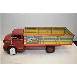 Vintage pressed steel Marx Lazy Day Farms stock truck, in good shape with original lithos, 17  in le