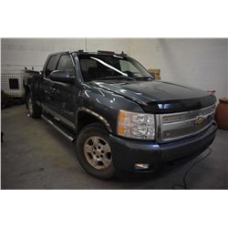 Chevrolet Silverado 2007, Z-71 4 X4 1500 truck with extended cab, leather heated seats with memory c
