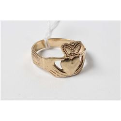 Ladies 9ct yellow gold claddagh ring