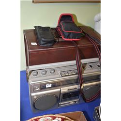 Selection of vintage tech. including Kodak slide projector in leather case, Panasonic portable stere