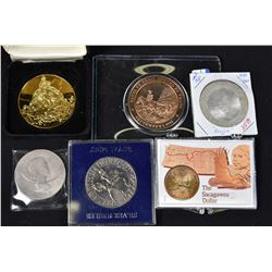 Selection of assorted tokens, medallions including a solid bronze 1821 Santa Fe Trail Opened to Trad