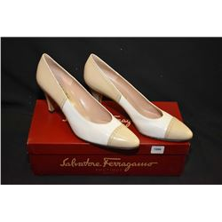 Pair of Salvatore Ferragamo Italian leather shoes, as new, size 8 with box
