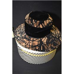 Mr. John Young Elegance hat