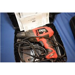 Skil 5.5 amp, 110 volt electric drill in fitted case