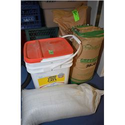 Selection of bead blasting media including Greengrit 20-3, unopened 18kt bag of sand and 3 other con