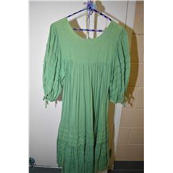 Vintage cotton 3/4 length Boho dress in green