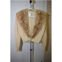 Vintage 100% cashmere cardigan with fur collar