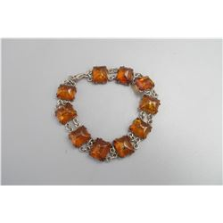 Old ambar bracelet,early 20th centry, condition as is show in photo.