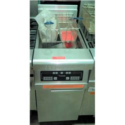 Unused Frymaster 40 lb Deep Fryer w/ 2 Fry Baskets, Model DMJ135ESD, Natural Gas