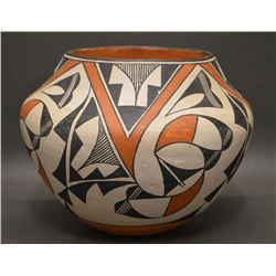 ACOMA INDIAN POTTERY OLLA (KAREN LOWDEN)