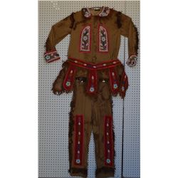 IROQUOIS INDIAN BEADED OUTFIT