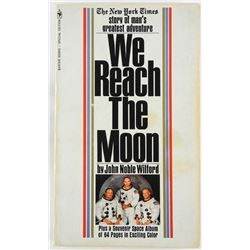 NEW YORK TIMES - 'We Reach the Moon' Novel with 64 Colour Pages