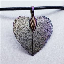 MULTI SHADE LEAF PENDANT NECKLACE