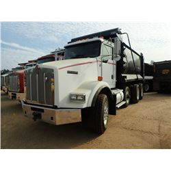 2011 KENWORTH T800 DUMP TRUCK, VIN/SN:1NKDXUTX6BJ281004 - TRI AXLE, 445HP CAT ENGINE, ALLISON A/T, 4