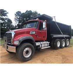 2008 MACK GU713 DUMP TRUCK, VIN/SN:1M2AX09C88M003743 - TRI AXLE, 425 HP MACK MP8 ENGINE, MACK T310M