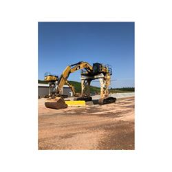 2015 CATERPILLAR 336FL STRADDLE CARRIER, VIN/SN:RKB01231 - PIERCE PACIFIC STRADDLE CARRIER TRACK FRA