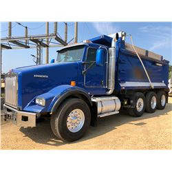 2011 KENWORTH T800 DUMP TRUCK, VIN/SN:1NKDX42X6BJ277910 - GLIDER KIT, TRI AXLE, CAT ENGINE, 8LL TRAN