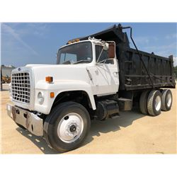 1983 FORD 9000 DUMP TRUCK, VIN/SN:1FDZU90W0DVA32889 - T/A, CUMMINS ENGINE, 13 SPEED TRANS, GVWR 56,5