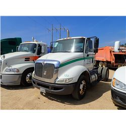 2012 INTERNATIONAL 8600 TRUCK TRACTOR, VIN/SN:1HSHWSHN6CH133999 - S/A, INTL DIESEL ENGINE, 10 SPD TR