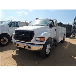 2000 Ford F650 Mechanic Truck - S/A, CUMMINS DIESEL ENGINE, 5 SPEED TRANS, SERVICE BODY, IMT 8600 CR