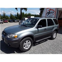 L1 --  2006 FORD ESCAPE XLT , Green , 113,752 MILES  KM's