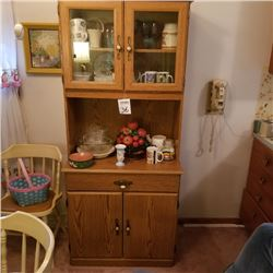 COUNTRY WOOD KITCHEN CUPBOARD / LIKE NEW