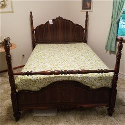 BEAUTIFUL ANTIQUE FOUR POSTER BED IN A MAHOGANY TONE