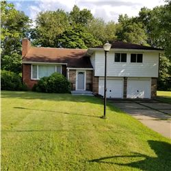The real estate located at: 22 Bellaire Dr., New Castle, PA