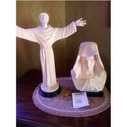 BUNDLE LOT: ALABASTER ON MARBLE FIGURES / COLLECTION OF CATHOLIC ITEMS