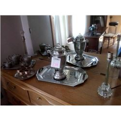 BUNDLE LOT: ASSORTED VINTAGE PEWTER / PAIR OF LAMPS, CANDELABRA, LAMP W/ SHADE