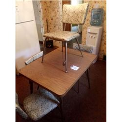 RETRO KITCHEN DINETTE TABLE & 4 CHAIRS