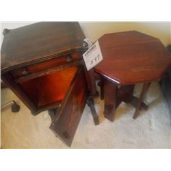 ANTIQUE TABLE WITH OCTAGONAL TABLE