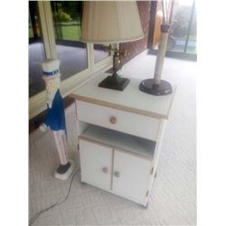 WOODEN 1 DRAWER OVER 2 DOOR WHEELED CABINET ON WHEELS, UNCLE SAM, TABLE LAMPS