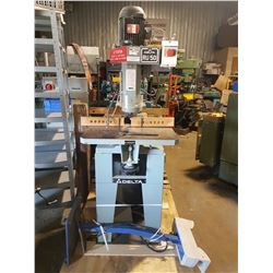 Delta Industrial Router Table with tools