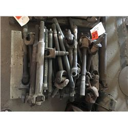 Pallet of used axles & drive shafts
