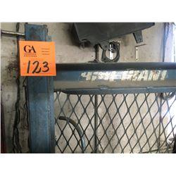 Blue giant 1500 lb mobile lift, pallet jack 110V