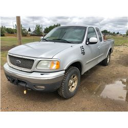 2003 Ford F150 XLT, V8, 5.4 Triton, Grey, newer tires, EXT cab, 2WD,AC, PS,PB, Needs Repairs